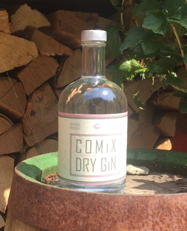 https://gin-comix.com/wp-content/uploads/2017/05/comix_dry_gin_flasche_fass.jpg